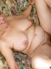 Granny need younger cock for her thirsty pussy